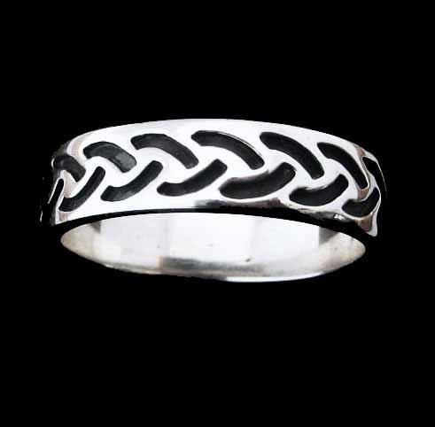 Modern Celtic Silver Ring