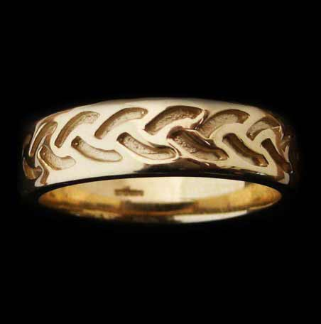 Modern Celtic Gold Ring